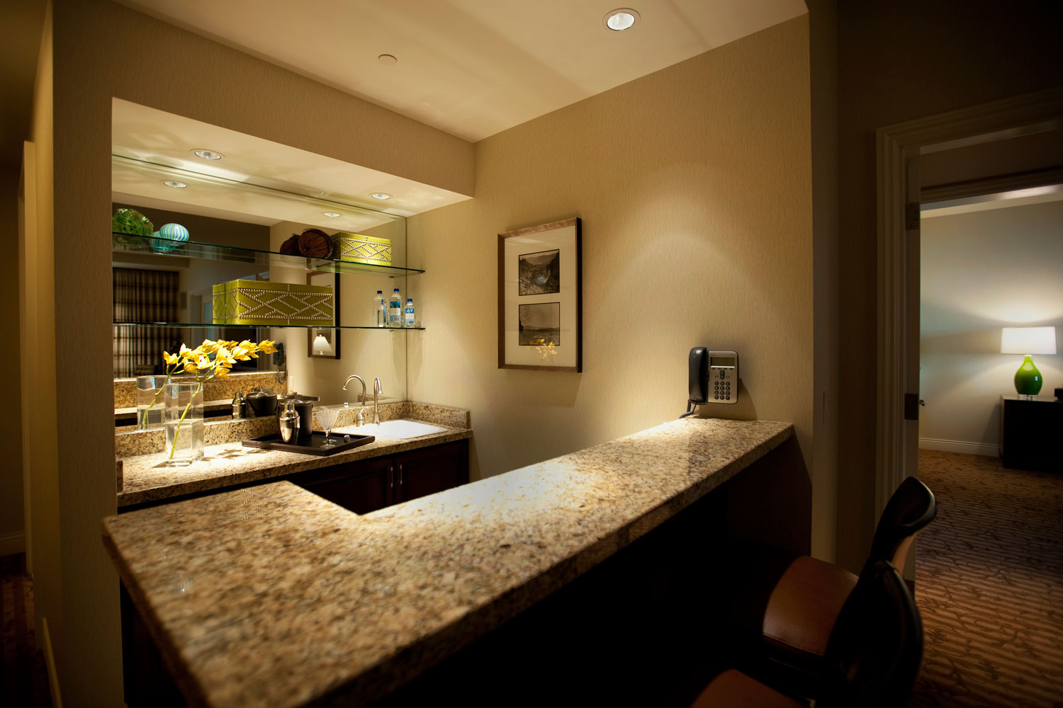 Looking to entertain a group? The Provence Suite, with its personal wet bar is the perfect choice.